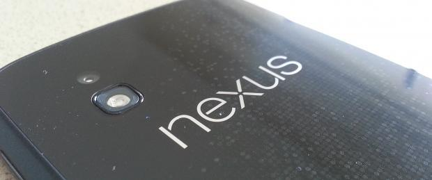 which_smartphone_should_i_buy_sony_s_xperia_t_or_the_new_google_nexus_4