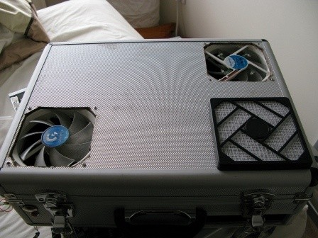 DIY Case Mods - Suitcase turned into PC