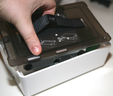 IN WIN Na eSATA and USB 2.0 HDD Enclosure - Touch of the East