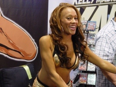 2009 AVN Expo Booth Babes