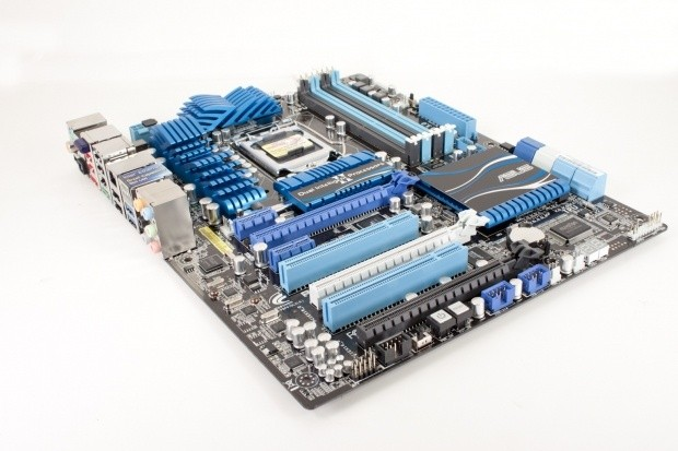 asus_p8p67_deluxe_intel_p67_express_motherboard_review_01
