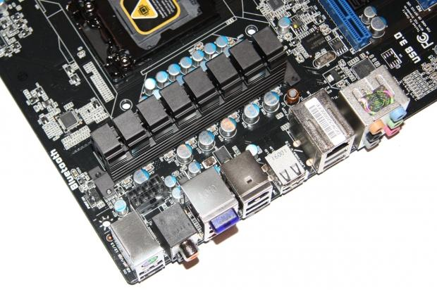 sapphire_pure_black_p67_hydra_motherboard_review_12