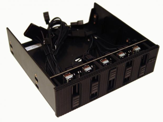 nzxt_sentry_mesh_30w_fan_controller_review