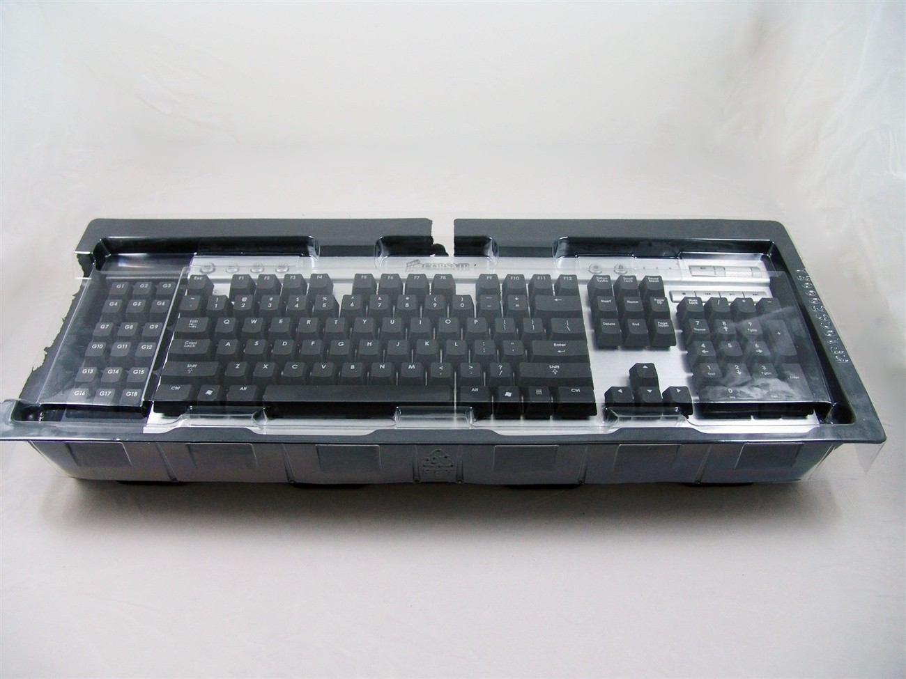corsair_vengeance_k90_performance_mmo_mechanical_gaming_keyboard_review