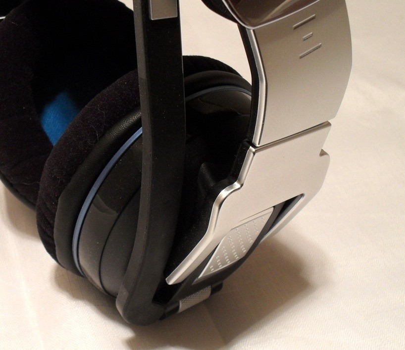 corsair_vengeance_2000_wireless_7_1_gaming_headset_review