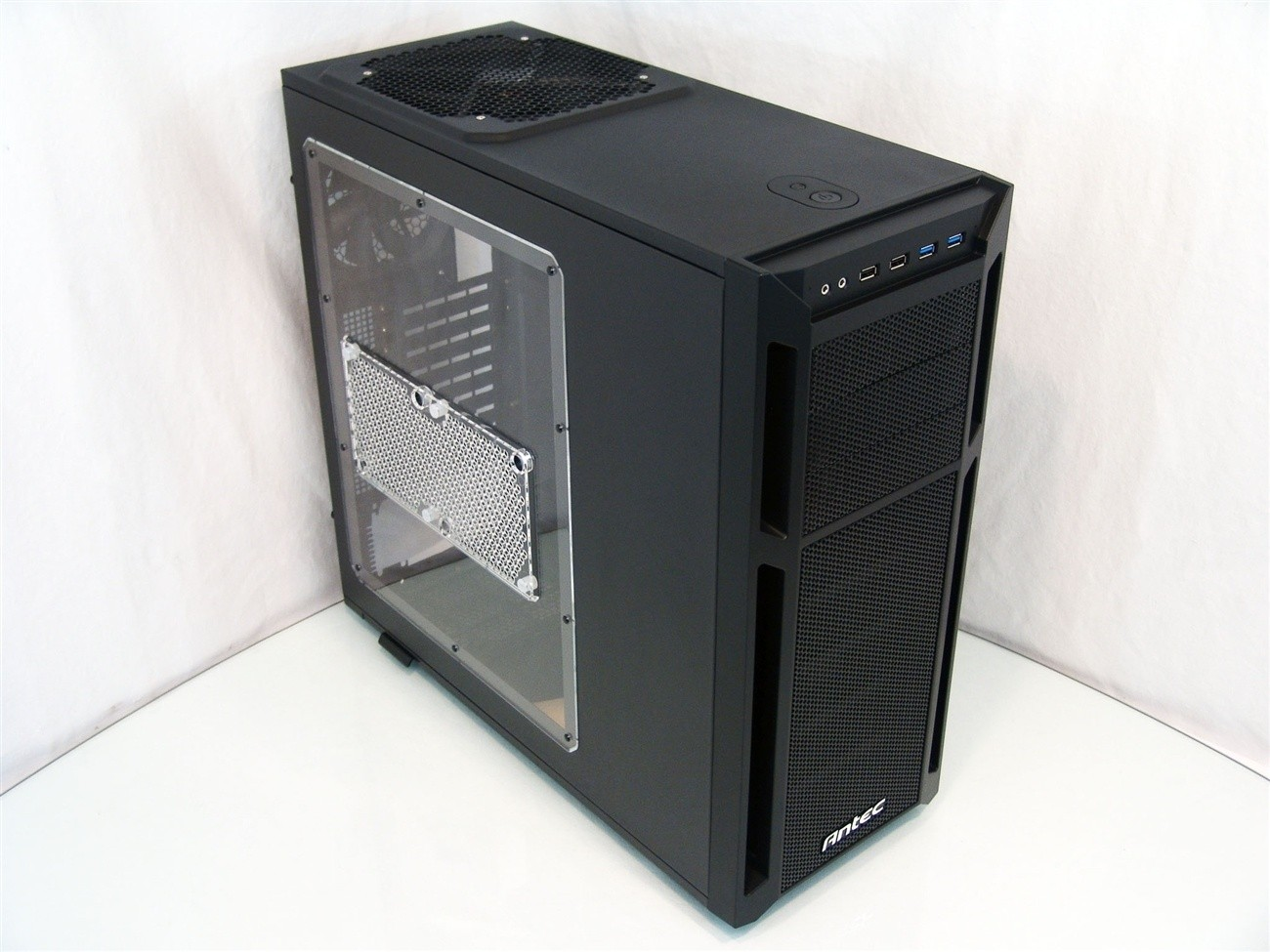 antec_eleven_hundred_gaming_mid_tower_chassis_review