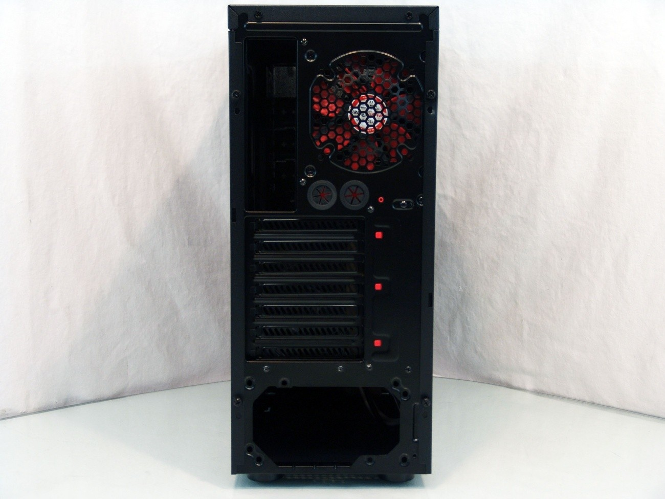 gametiger_mars_va_2_gaming_mid_tower_chassis_review
