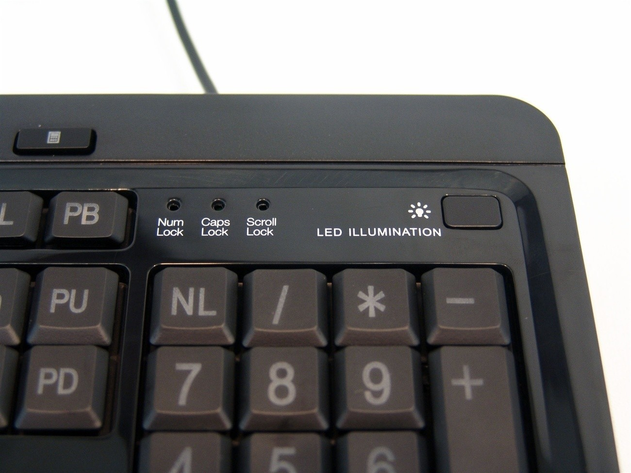 azio_kb505u_large_print_3_color_backlit_keyboard_review