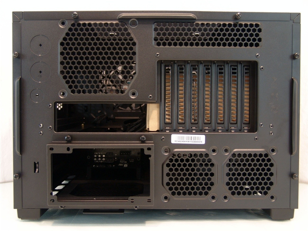 5036_12_cooler_master_haf_xb_lan_box_open_air_chassis_review_full.jpg