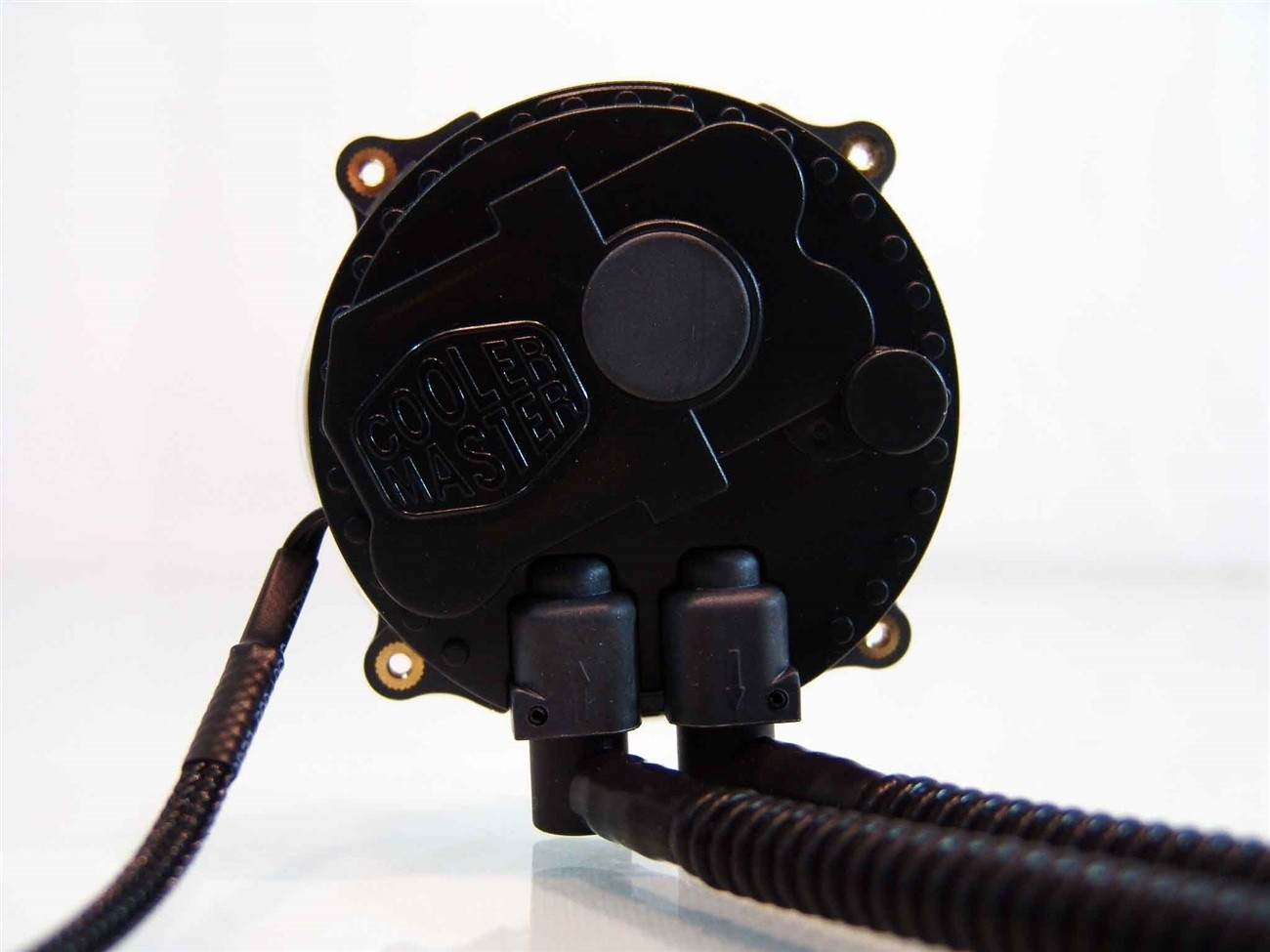 needs_edited_images_cooler_master_seidon_240m_water_aio_cpu_cooler_review