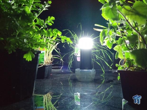 bracketron_smartlantern_7800mah_battery_with_flashlight_lantern_07