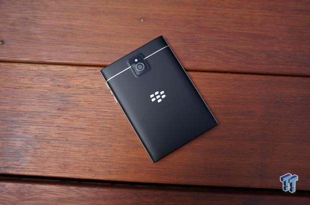 blackberry_passport_smartphone_unboxing_first_impressions_01