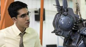 chappie-2015-cinema-movie-review_01