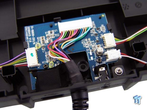 roccat-skeltr-smart-communication-gaming-keyboard-review_28