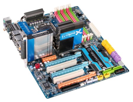 GIGABYTEs EX58-Extreme for Core i7 all geared up