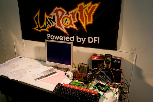 FirstZoom.tv creates and promotes HD quality LANParty DKX58 Video for DFI