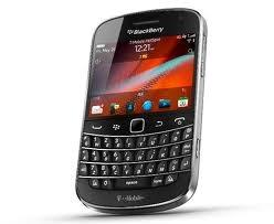 rim_announces_two_brand_new_smartphones_blackberry_bold_9900_9930_now_with_new_os