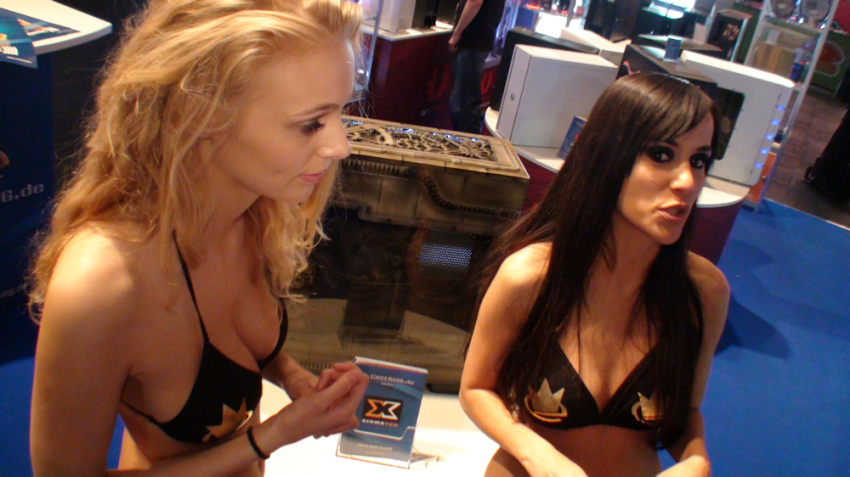 gamescom_2011_booth_babes_video
