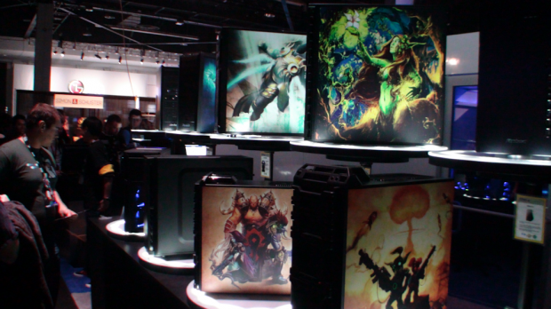 kick_ass_antec_cases_with_blizzard_gaming_stickers_at_blizzcon_2011