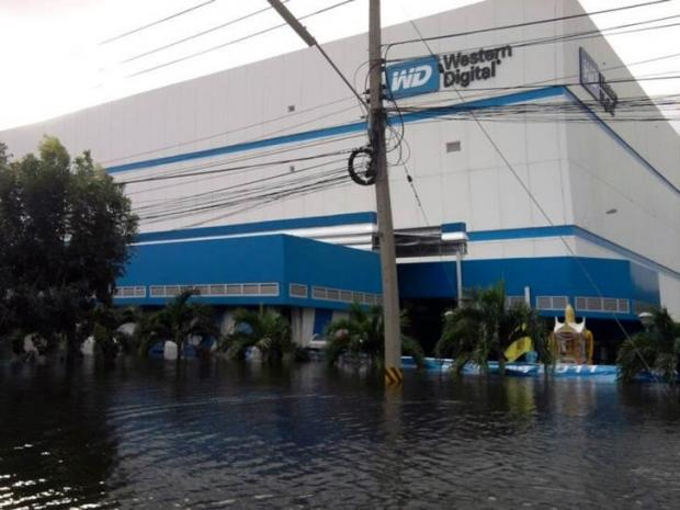 photos_from_the_flooded_western_digital_factory_in_thailand