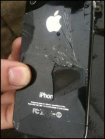apple_iphone_spontaneously_combusts_aboard_flight_in_australia