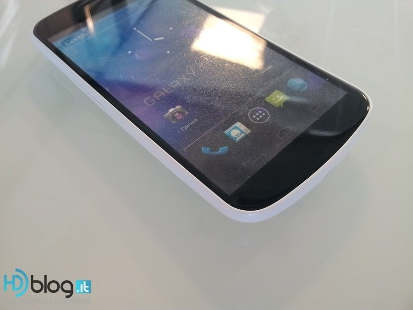 samsung_s_white_knight_galaxy_nexus_spotted_in_white