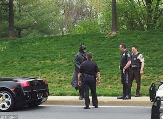 batman_gets_pulled_over_in_his_batmobile_didn_t_have_license_plates