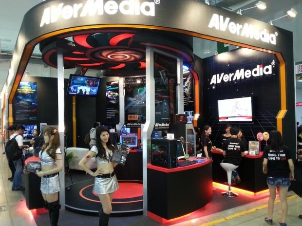 a_peek_at_the_avermedia_booth