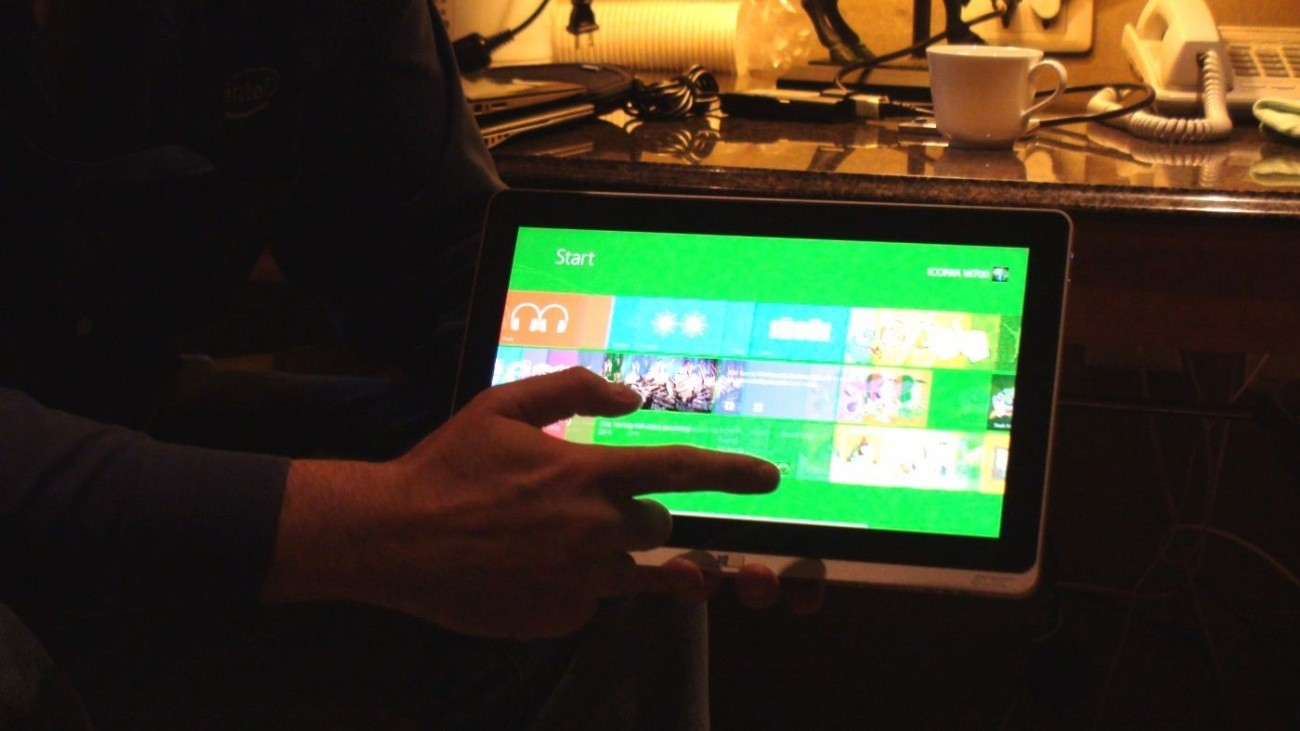 intel_very_proud_of_acer_iconia_w700_shows_what_a_windows_8_tablet_should_be_like