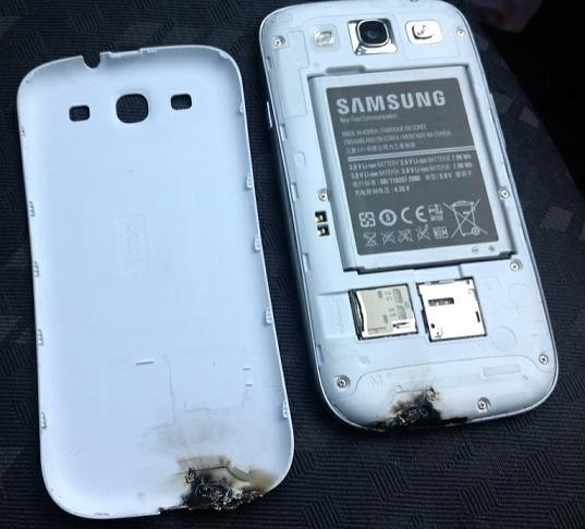 samsung_are_currently_investigating_the_exploding_galaxy_s_iii