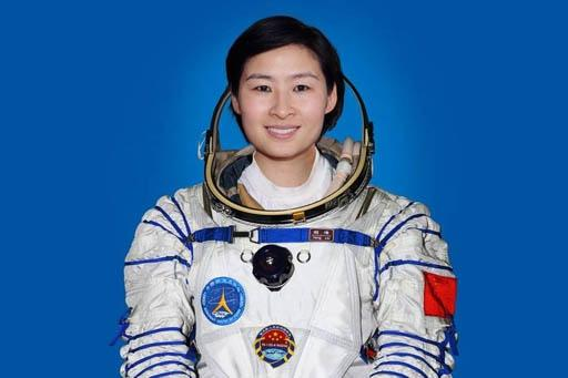 china_to_launch_manned_mission_spaceship_in_june_2013