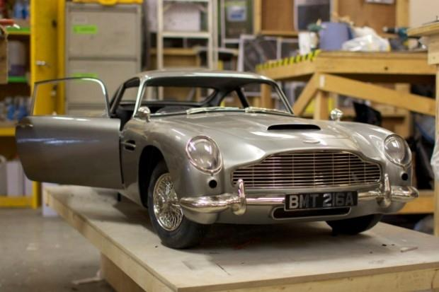 voxeljet_3d_printer_used_to_print_out_skyfall_s_aston_martin_stunt_double
