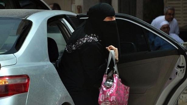 saudi_arabia_pushes_for_electronic_tracking_system_for_women
