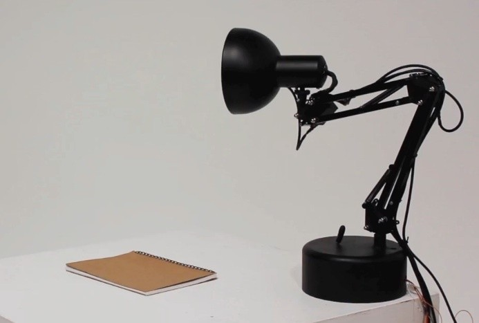 pixar_desk_lamp_inspired_pinokio_brought_to_life_through_tech