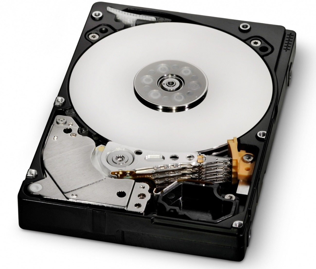 hgst_introduces_1_2tb_ultrastar_c10k1200_10_000_rpm_enterprise_hdd