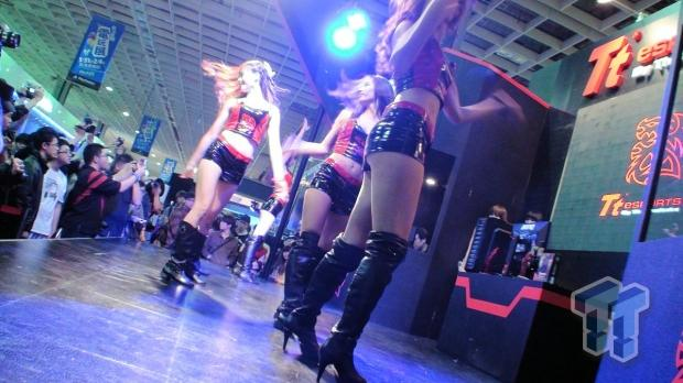 tweaktown_booth_babes_video_from_taipei_game_show_2013