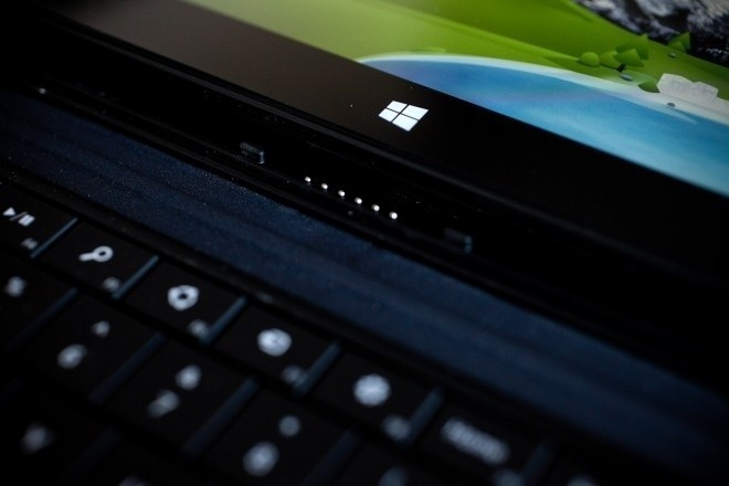 microsoft_hints_that_surface_pro_could_be_charged_via_future_accessories