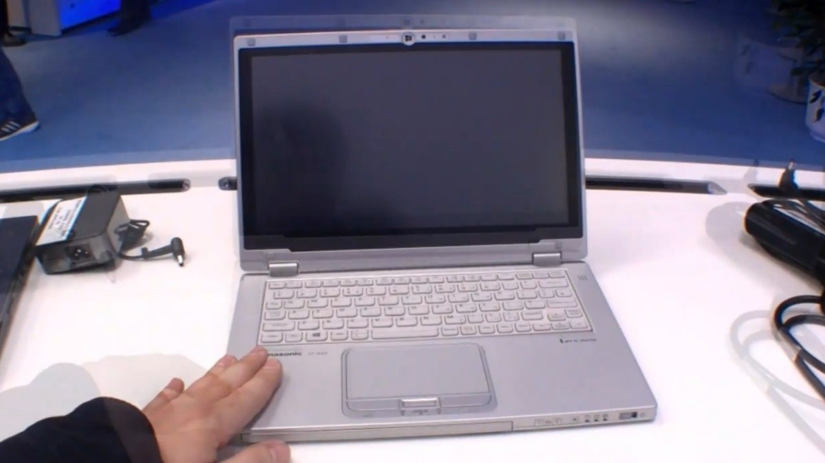 hands_on_with_the_panasonic_toughbook_cf_ax2_business_flip_over_windows_8_ultrabook