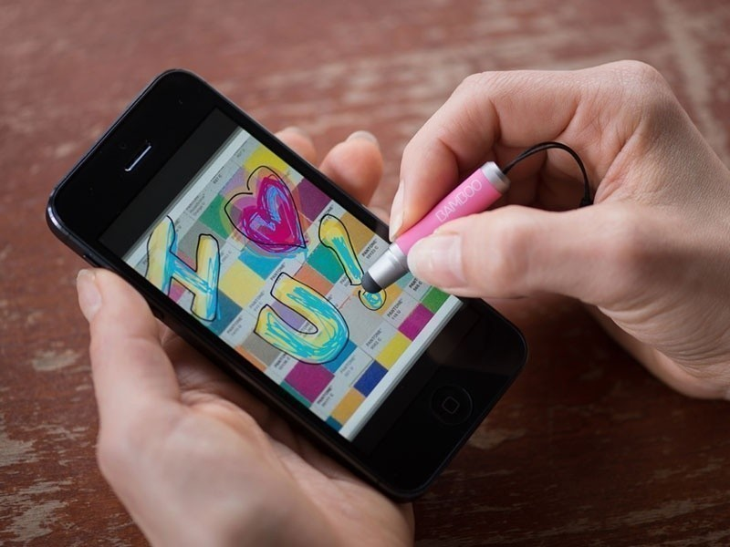wacom_unveils_crayon_like_bamboo_stylus_mini_for_tablets_and_smartphones