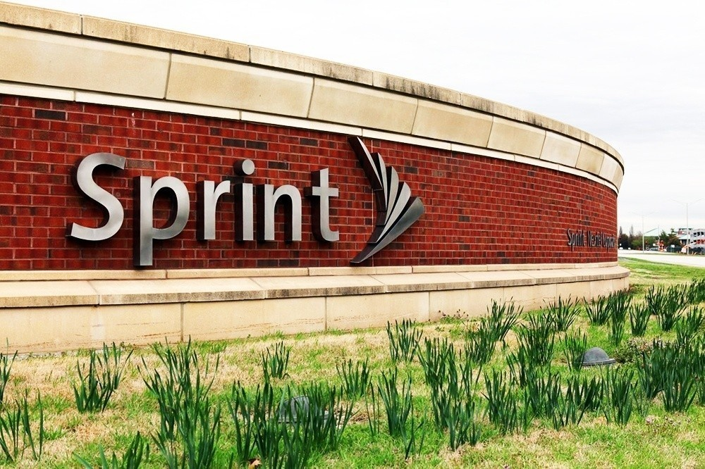 sprint_sells_1_5_million_iphones_in_q1_loses_1_million_customers_and_post_a_643_million_net_loss