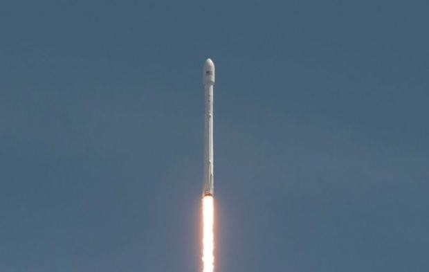 SpaceX Falcon 9 rocket soft landing test completed