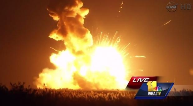 nasa_antares_rocket_explodes_on_launch_pad_01