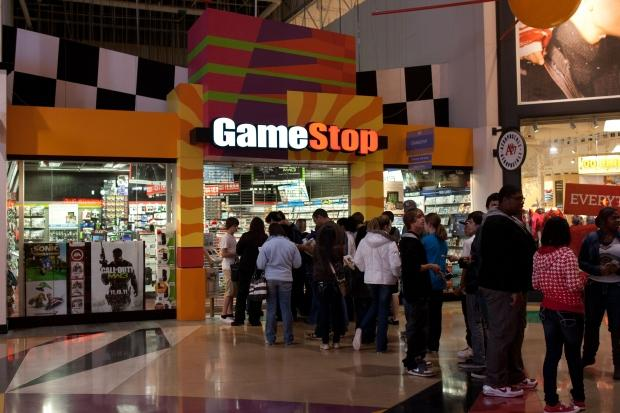 gamestop_reportedly_unhappy_microsoft_sony_giving_away_free_games_01