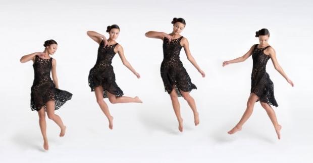 4d-printed-dress-added-meuseum-modern-art-collection_011