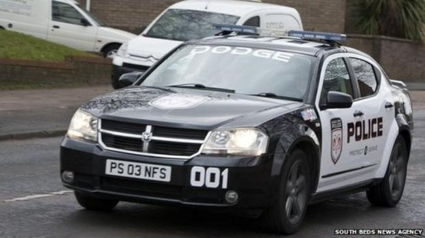 uk-mom-turns-up-school-need-speed-cop-car_06