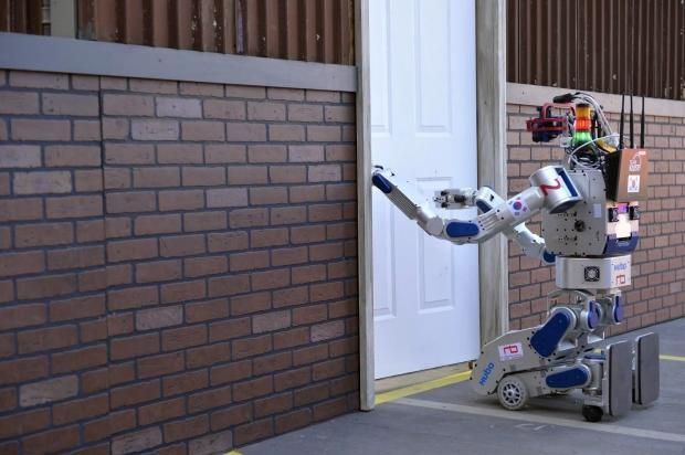 team-korea-wins-2-million-darpa-robotics-challenge_01