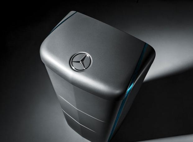 mercedes-benz-joins-tesla-motors-home-battery_07