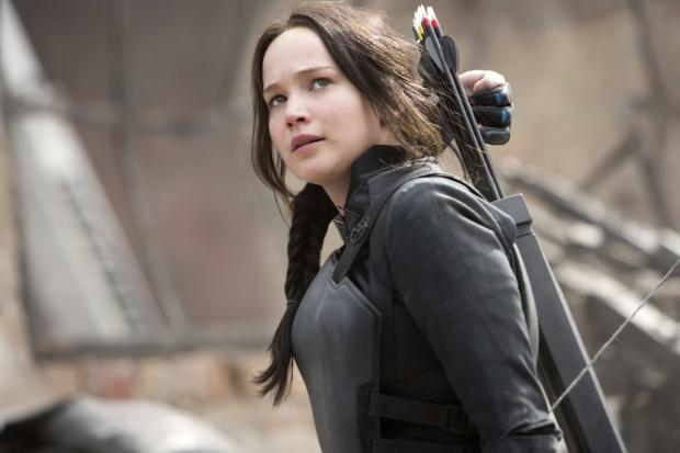 first-glimpse-the-hunger-games-mockingjay-part-2-movie-trailer_01