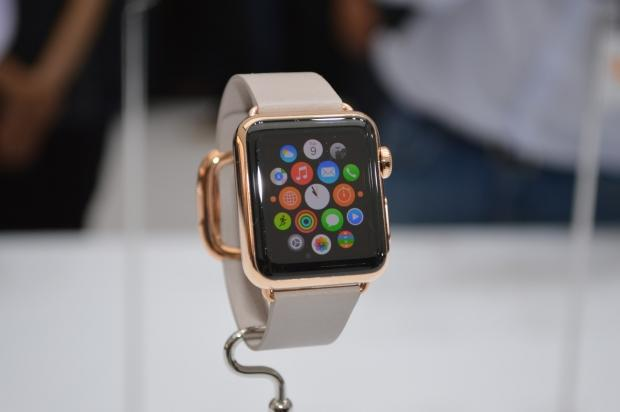 report-apple-watch-wearables-impressing-consumers_01
