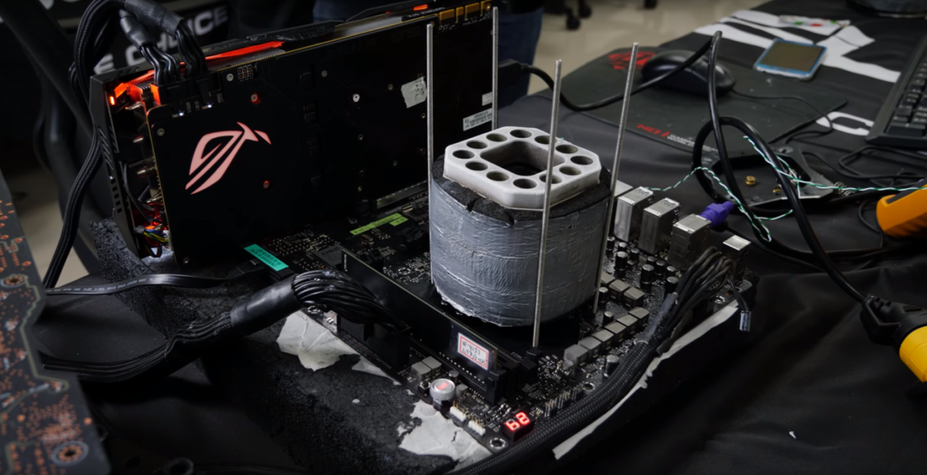 AMD Ryzen 7 2700X overclocked to 6GHz with LN2 cooling